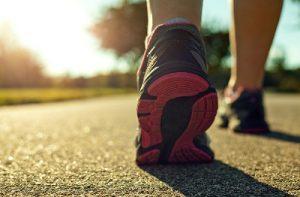 manfaat olahraga jalan kaki bagi kesehatan tubuh kita semua